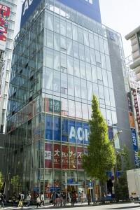 場所はAOKIが入っているビル。秋葉原駅電気街口改札を出て3分の好立地