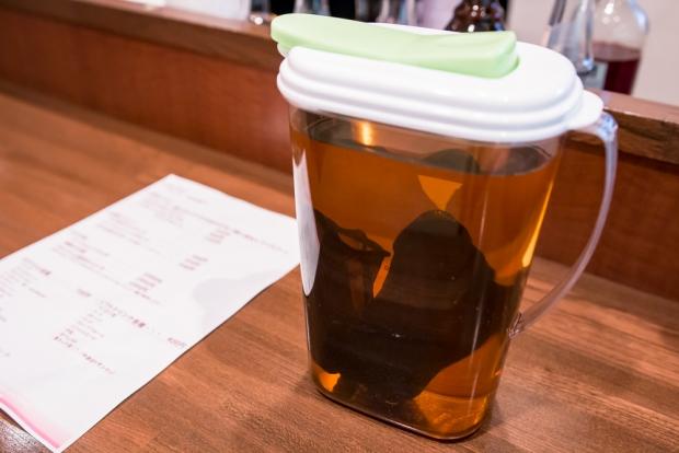 人気ドリンクはレモンティ。甘酸っぱさがあるアールグレイ。もちろん茶葉はタイツで漉している