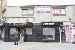 ▲1Fの黒い外装のお店が今回「ツンラブ」がOPENする場所