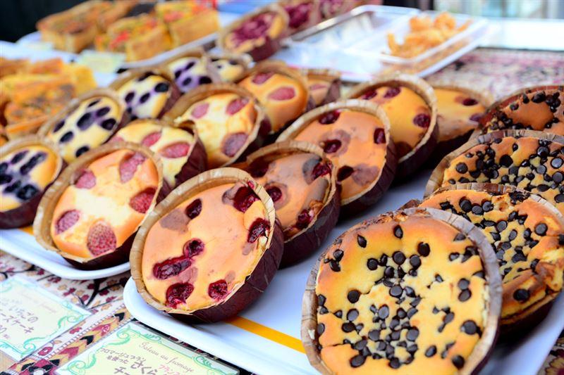 ▲変わり種としては、本場フランスの料理人が1個1個手作りした「チーズケーキ」。甘いもの好きにはたまりません!!