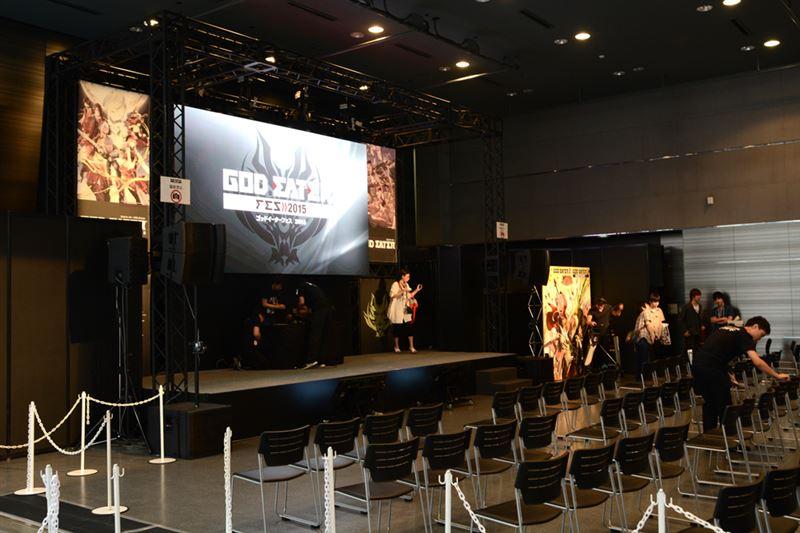 ▲ステージ。『ゴッドイーター リザレクション』 の発表や、アニメOPの公開など、様々な新情報が飛び出した。