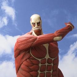 超大型巨人が1/100スケールの貯金箱で登場! 「貯蓄してやる!! この世から…一円……残らず!!」