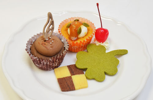 ▲「三村かな子と緒方智絵里の特製カップケーキ」(700円)。