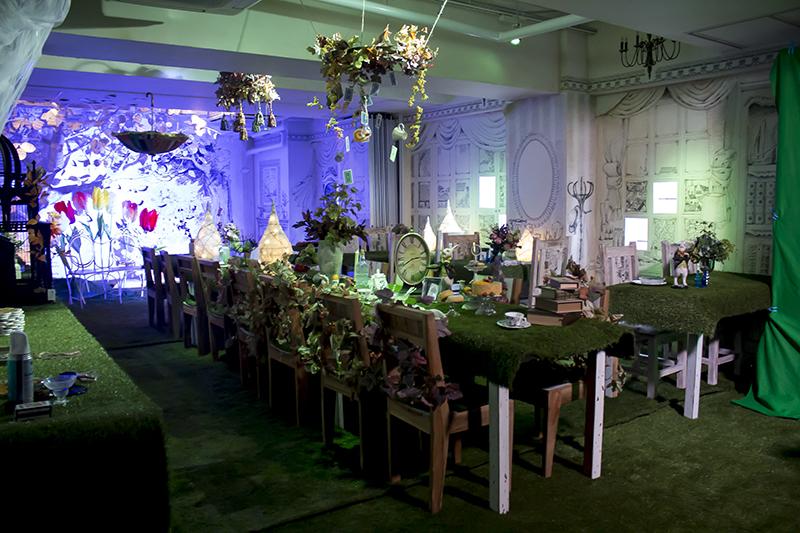 ▲アリスの部屋では、より盛大なお茶会をイメージした装飾に。