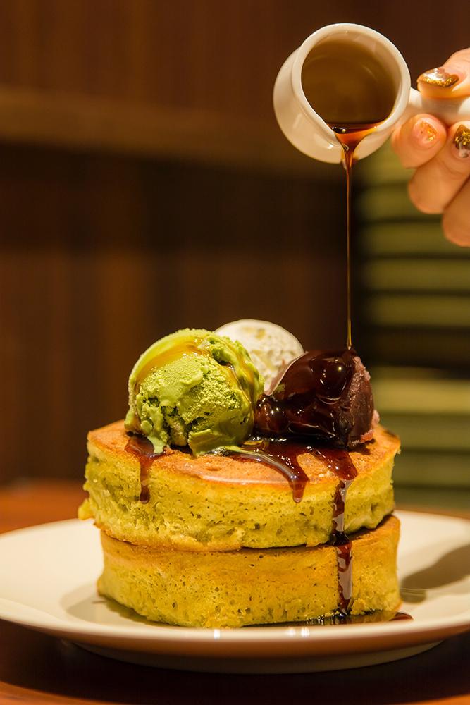 ▲厚くてふわっふわなホットケーキは豪華な2段重ね。