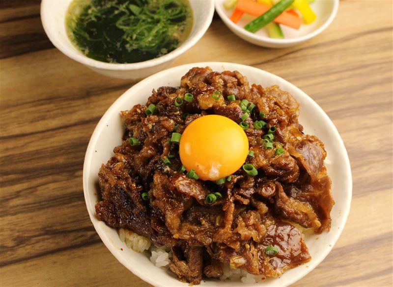 ▲牛焼肉丼(980円)