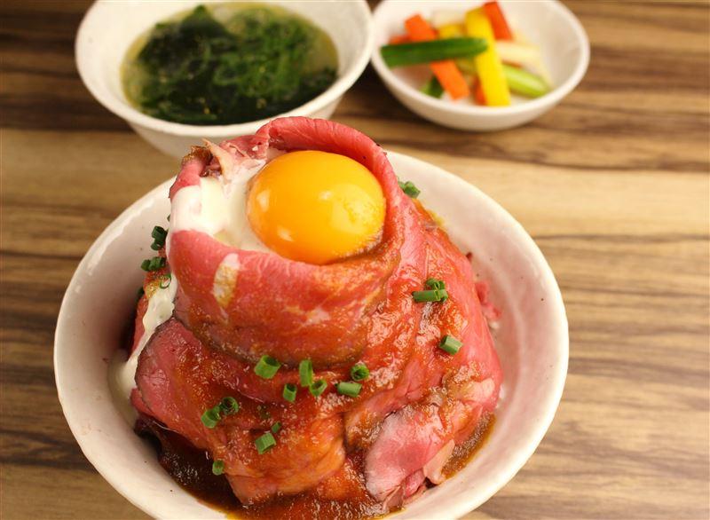 ▲ローストビーフ丼(1,080円)