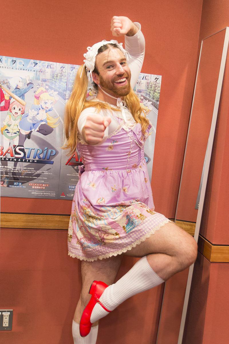 ▲お気に入りの有紗のポーズを、ノリノリでとってくれたレディビアードさん。