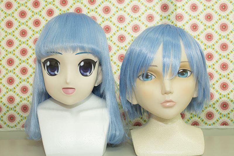 ▲左が「美少女マスク」、右が新作の「ドールマスク」だ。