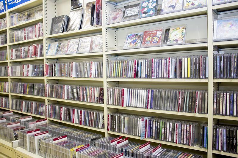 ▲同人CDコーナーでは、ラインナップはもちろん、本格的な視聴用の機材も用意している。