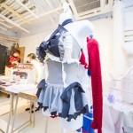 背中は編み上げになっているマジカルスイムドレス