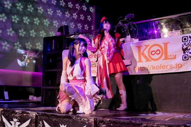 アイドルのライブも行われた
