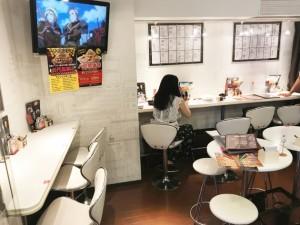 カフェスペースが設けてあり、カラオケ店の入場料を払わなくてもパ郎が食べられる。