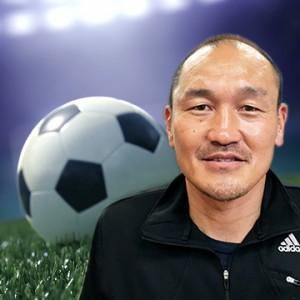 サッカー部門特別顧問を務める、元日本代表DFの秋田豊氏。