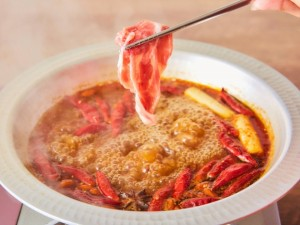 【グルメ】秋葉原が本店、ラム肉「しゃぶしゃぶ 焼肉食べ放題」の『めり乃』が「しびれ鍋」の提供を秋冬限定で開始
