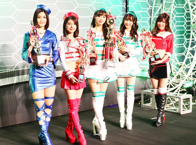 大賞を受賞した5名。左から林ゆめさん、藤木由貴さん、グランプリの林紗久羅さん、小越しほみさん、生田ちむさん