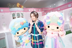 キービジュアル(中央:蒼井翔太さん、左:キキ、右:ララ)