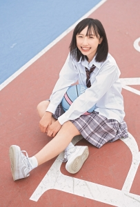 薮下楓(STU48)