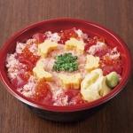 「寿司 魚がし日本一」/ミリシタのシンボルマークであるパピヨン型の卵焼きを添えた一品。