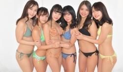 過去受賞者(左から) 薄井しお里、河路由希子、高崎かなみ、西永彩奈、水咲優美、竹川由華